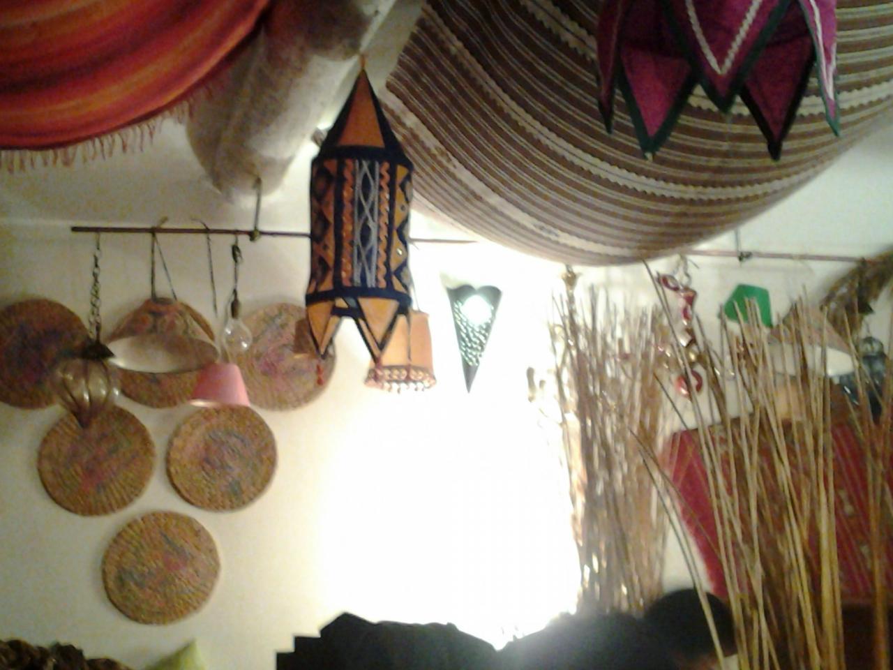 Le Chadao, décors de la salle.