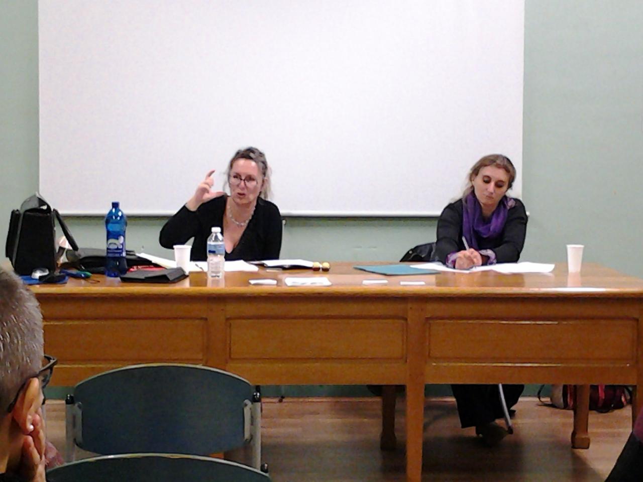 Un débat interactif avec la salle.