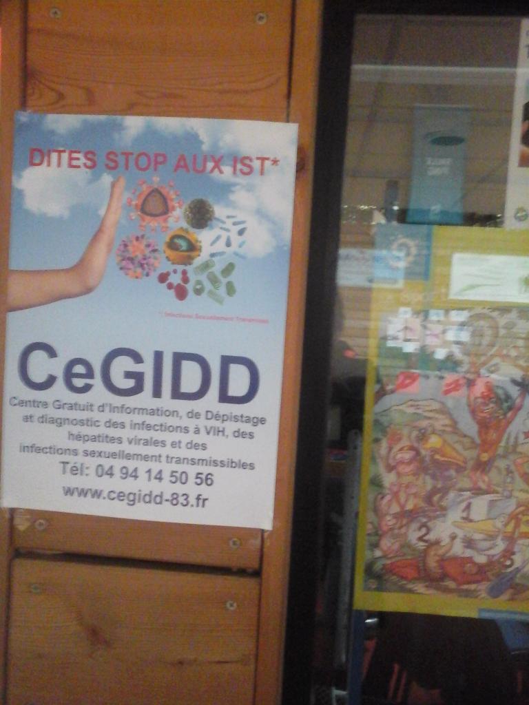 Une affiche du stand CeGIDD
